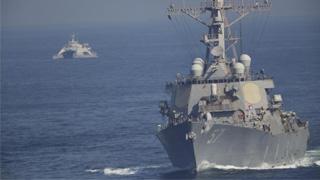 美航母入波斯湾 伊朗30船舰紧跟