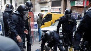 西班牙內閣加泰開會 獨派示威沖突釀62傷
