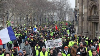巴黎遭遇2019年首轮示威 暴力事件再现