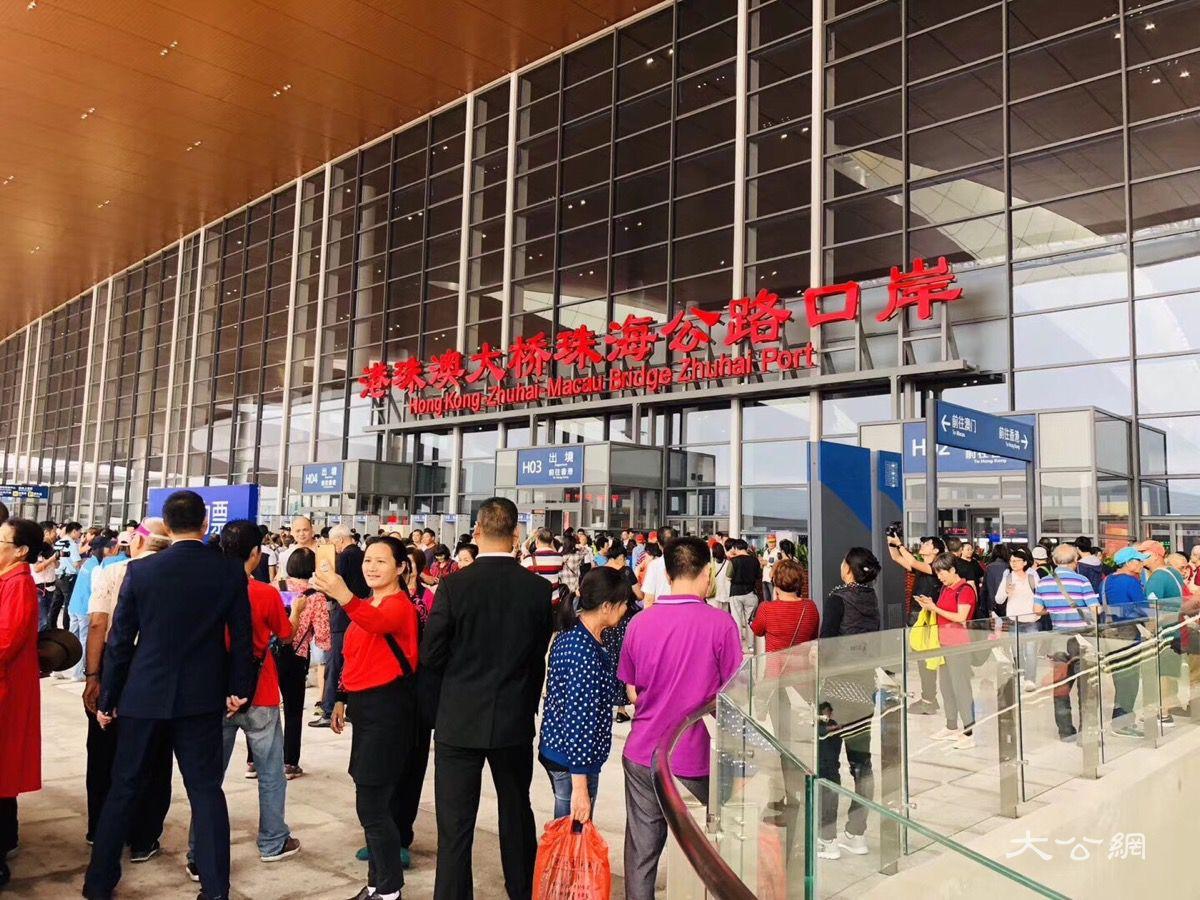 內地客春節出境遊香港居首 異地找「年味」成新熱點