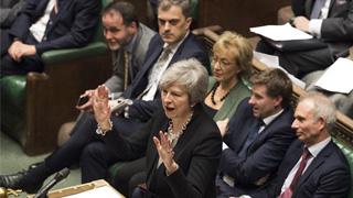 """英国议会通过修正案 要求修改""""脱欧""""协议"""
