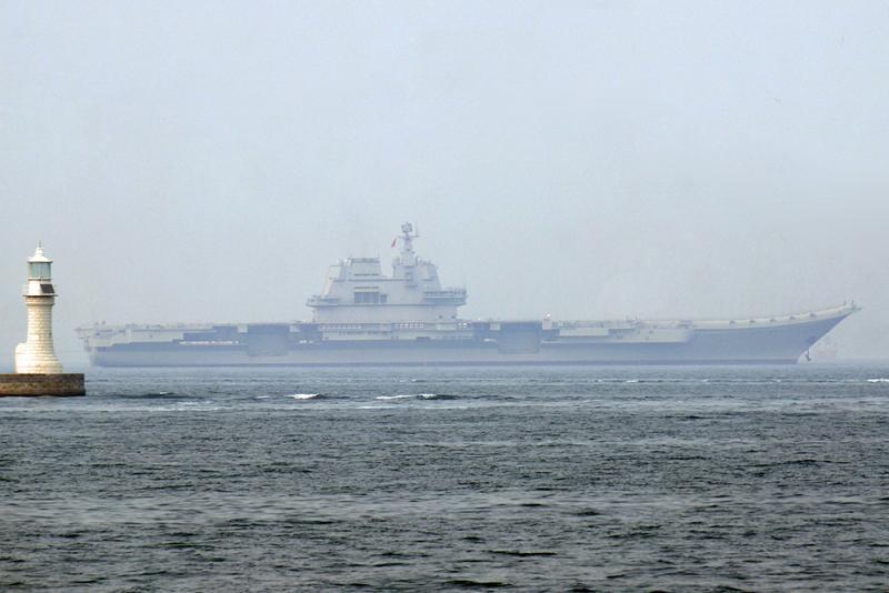 国产首艘航母已经成功离港