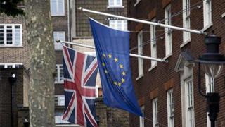 容克:若未在欧洲议会选举前脱欧 英需选举欧洲议员
