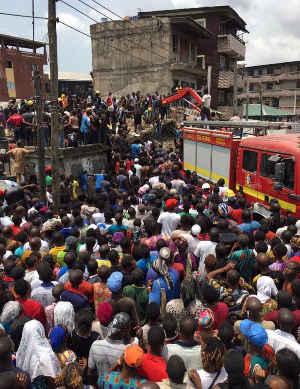 尼日利亚楼房坍塌事故 上百人被埋  第1张