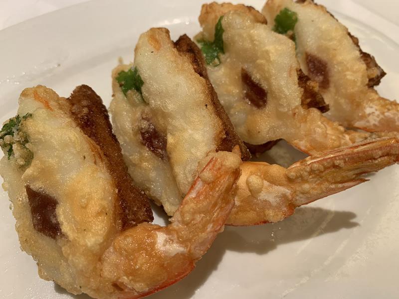 简饮择食/怀旧美食虾多士/简嘉明 文、图