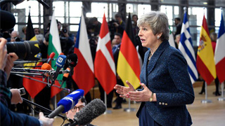 外媒:特雷莎·梅愿辞职换取议员支持脱欧协议