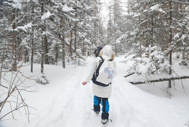 徒步穿越林海雪原 帶你領略長白山風光