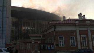 莫斯科一座体育馆发生火灾 未造成人员伤亡