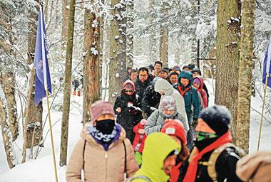 吉港啟冰雪經濟新模式 首屆長白雪馬千人穿林海奔天池