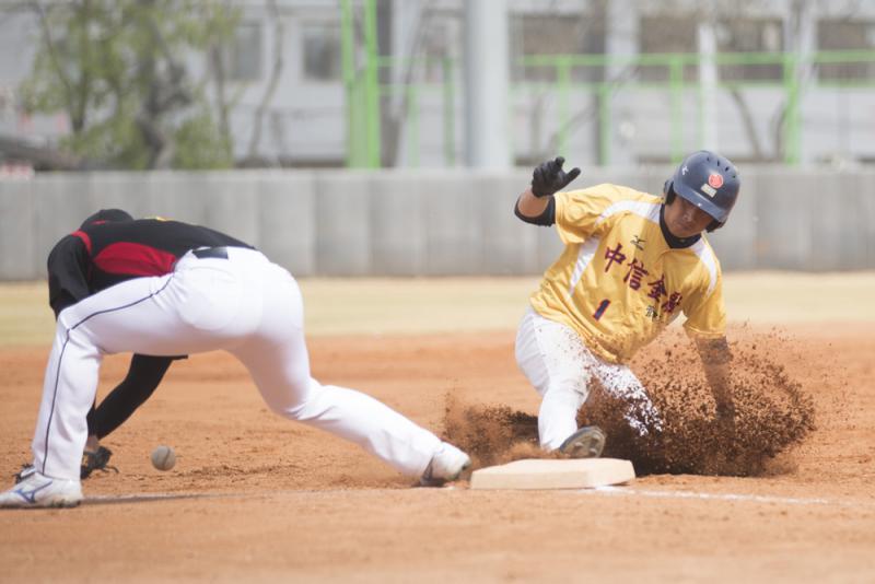 两岸棒球联赛北京开幕 24大学竞逐