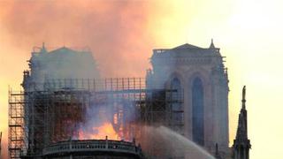 外媒:巴黎圣母院艺术品将转移到卢浮宫保管