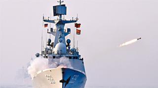 中俄黄海联演:军舰实射导弹抗来袭 首次合作援潜救生