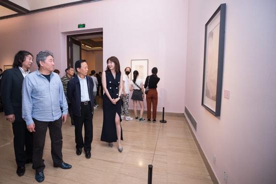 承古领今工笔意——艺术家刘瑶画展于中国美术馆展出