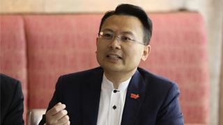 狂徒袭警车 陈勇:香港安全受威胁 须完善法律