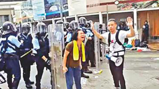 """工党陆锦城上演""""慈母护儿""""烂骚 曾参与码头工潮空勤罢工"""
