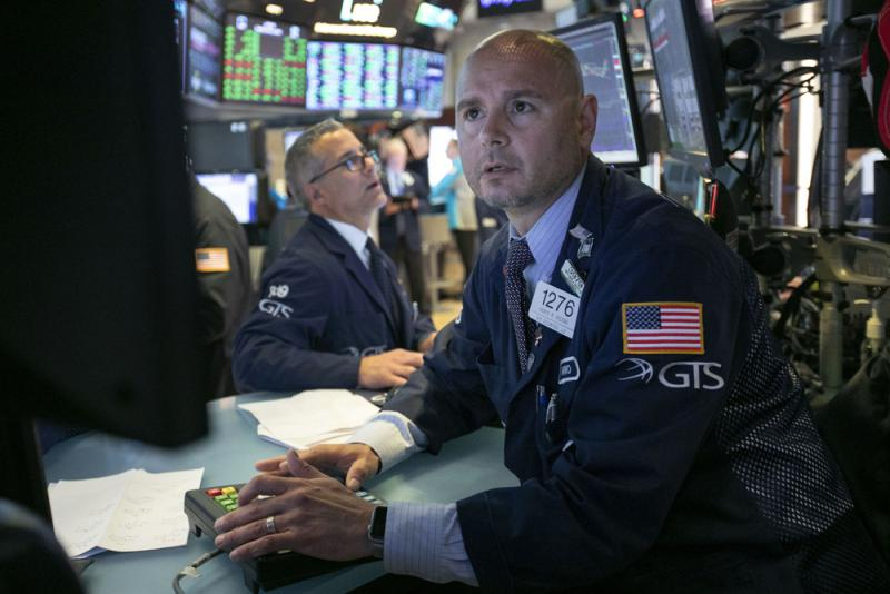 忧贸战 投资者持现金八年最多