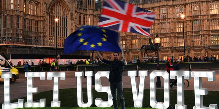 """英工党领袖明确表态 支持对所有脱欧协议进行""""二次公投"""""""