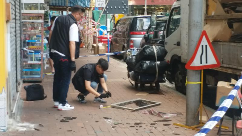 ?荃灣天降鋁窗擊傷女途人 拘女住客
