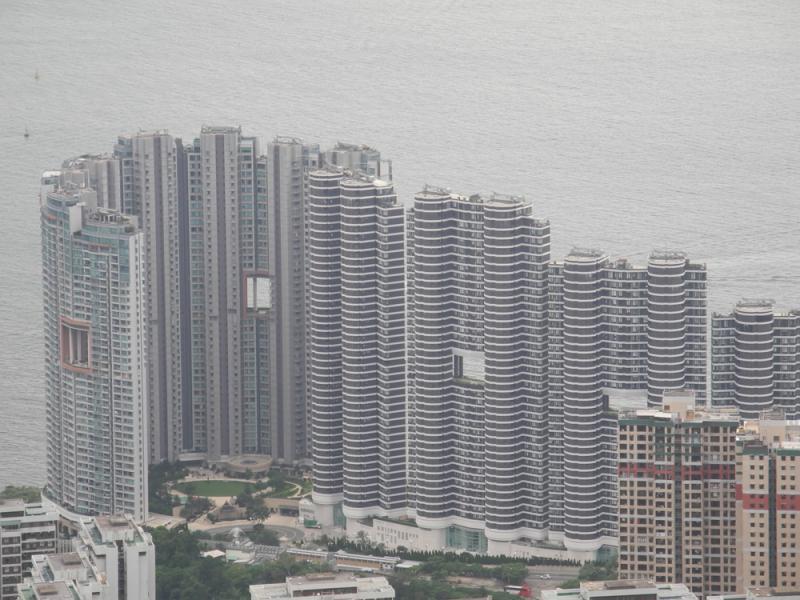 ?銀主掟貨 貝沙灣兩屋劈賣3.68億瀉31%