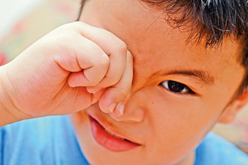 ?小孩:捽眼