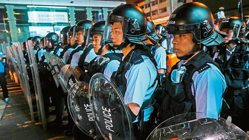 """反对派挑拨仇警 做""""口罩党""""保护伞"""