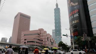 """台北警察打击诈欺逮244嫌犯 大学生沦为""""车手"""""""