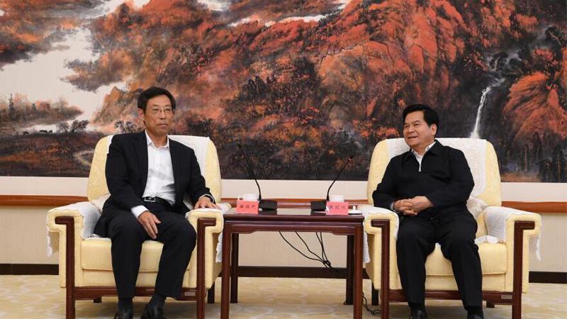 李纪恒会见香港大公文汇传媒集团董事长姜在忠一行