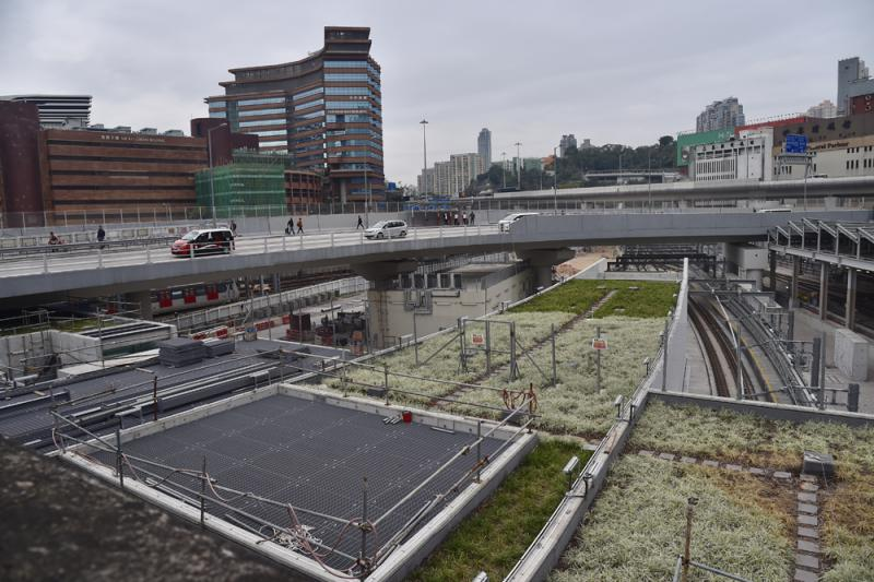 ?两项目拨备24亿 港铁首发盈警