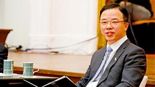与港大师生校友对话 张翔坚持谴责暴行获点赞