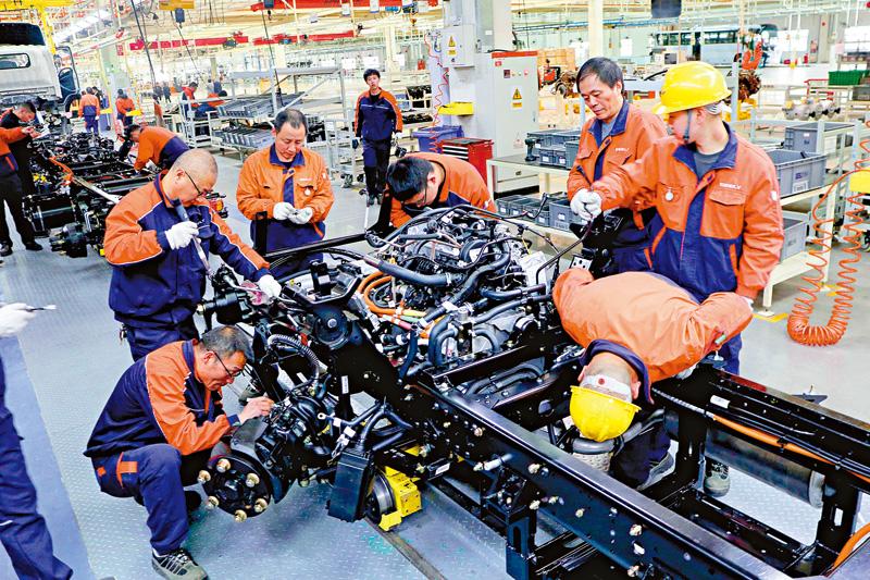 ?粤上半年GDP首破五万亿 增速6.5%
