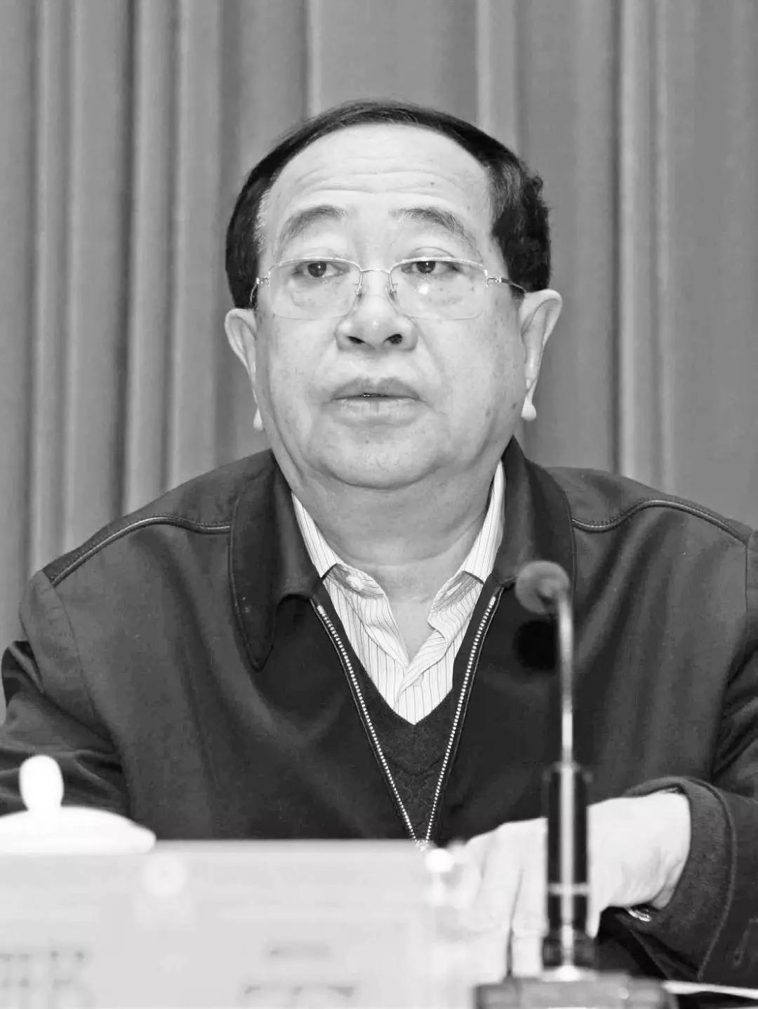 """内蒙古政法反腐风云:黑社会""""收编""""多名官员"""