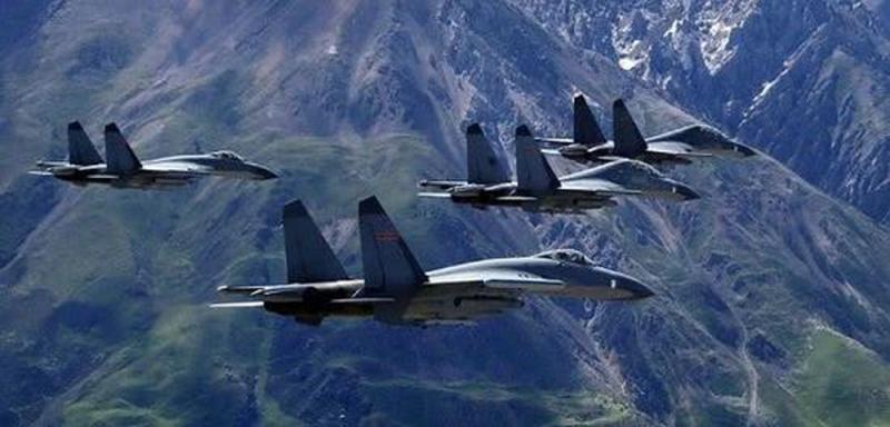 ?解放军10战机海空监控美舰闯台海