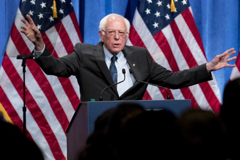 美民主党议员桑德斯陪病患赴加买胰岛素 痛批美高药价