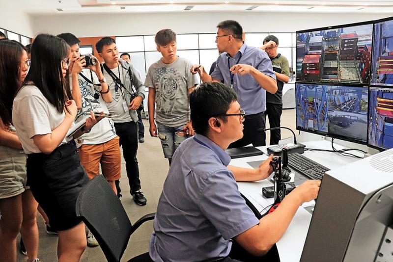 青�u港5G�鬏� �b卸行�流水