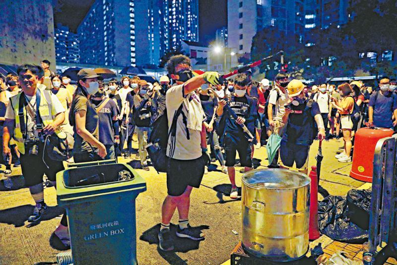 香港科大校长拒学生游行邀请