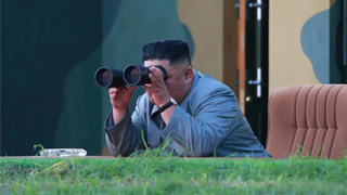 朝中社:金正恩指导新型火箭炮试射