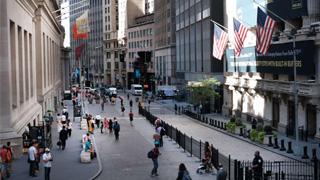 """美专业人士批评新关税将威胁美国经济 可能使其""""遭受重创"""""""