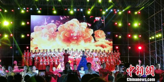 新疆烏蘇:2019啤酒節開幕 文旅融合造「全民盛會」