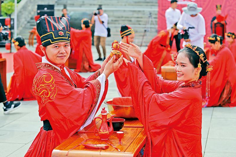 五彩中國七夕有愛又有「金」 線上線下消費旺