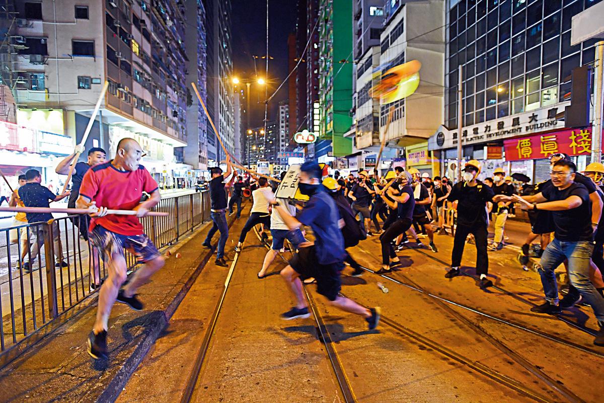 <b>香港地产建设商会联署抗议暴徒乱港 长和新鸿基参与</b>
