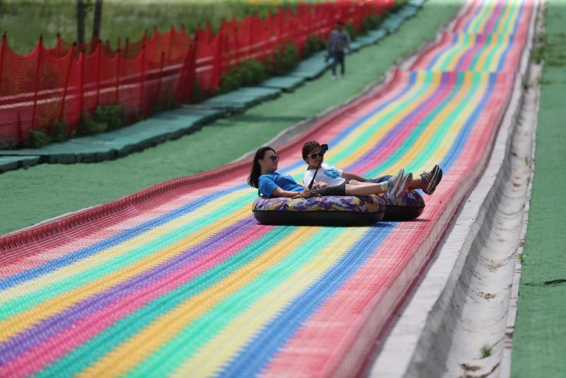 花絮彩虹滑道刺激如過山車