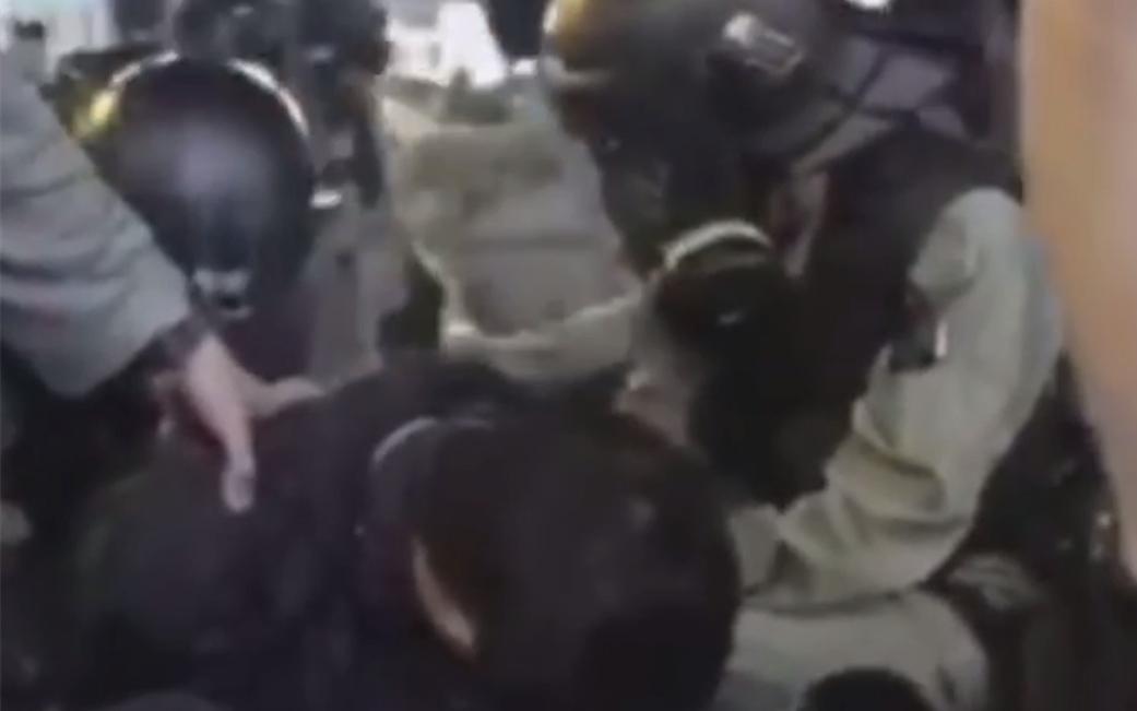 港警尖沙咀光速拘捕激进示威者