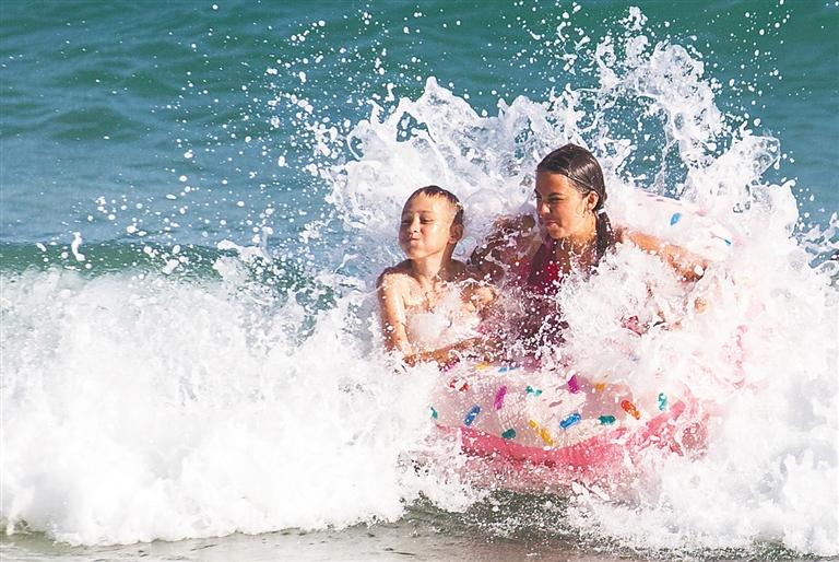 親水狂歡、雨林探險、露營觀星……海南旅遊掘金暑期檔