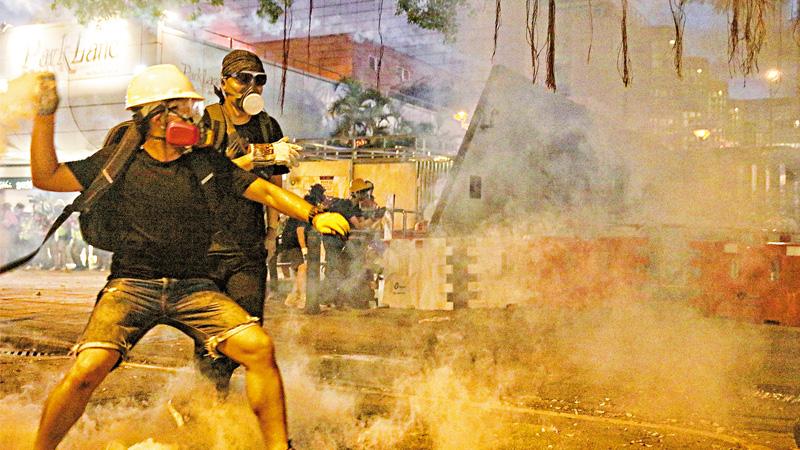 港澳办:香港出现恐怖主义苗头