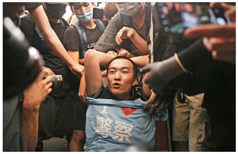 ?香港全城声讨机场暴徒,立即自首!