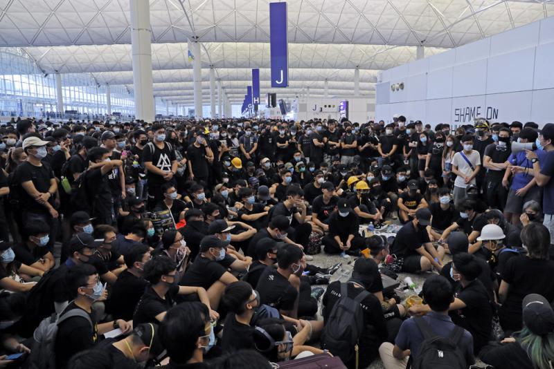 海外人士支持特区政府及警方止暴制乱