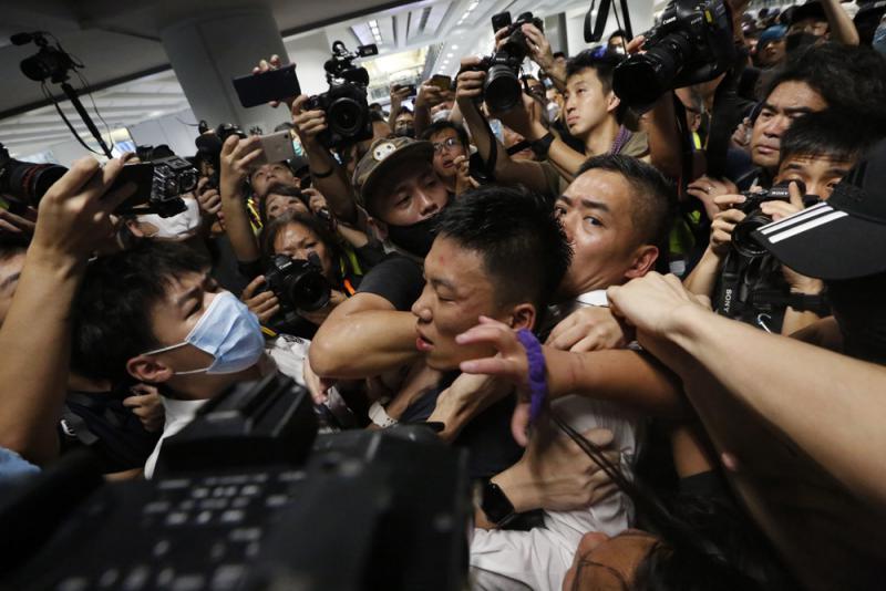 14億人憤怒了 港暴徒末日已來/大公報記者張寶峰、盧靜怡、方俊明、宋偉報道