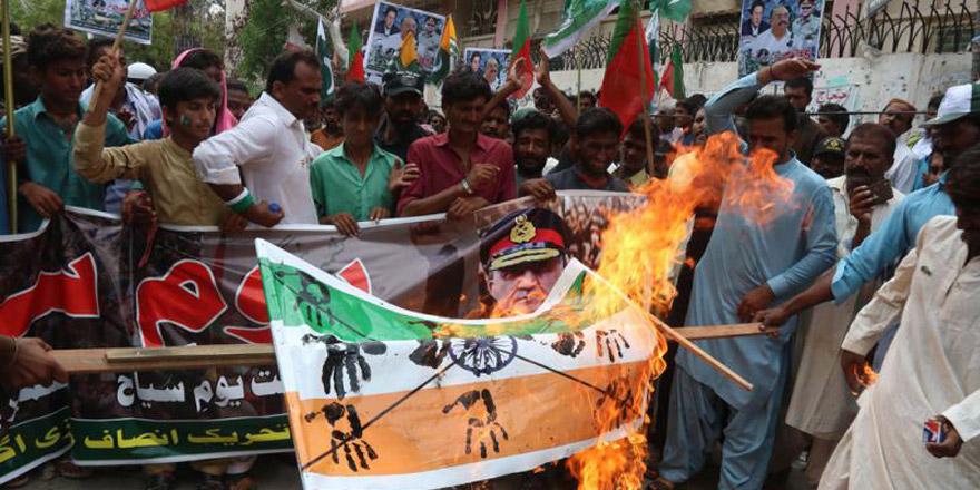 """克什米尔危机 巴基斯坦总理称将""""战斗到底"""""""