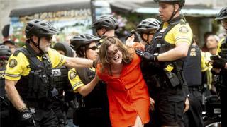 ?波特兰极左极右对抗集会 美警捕13人缴获武器