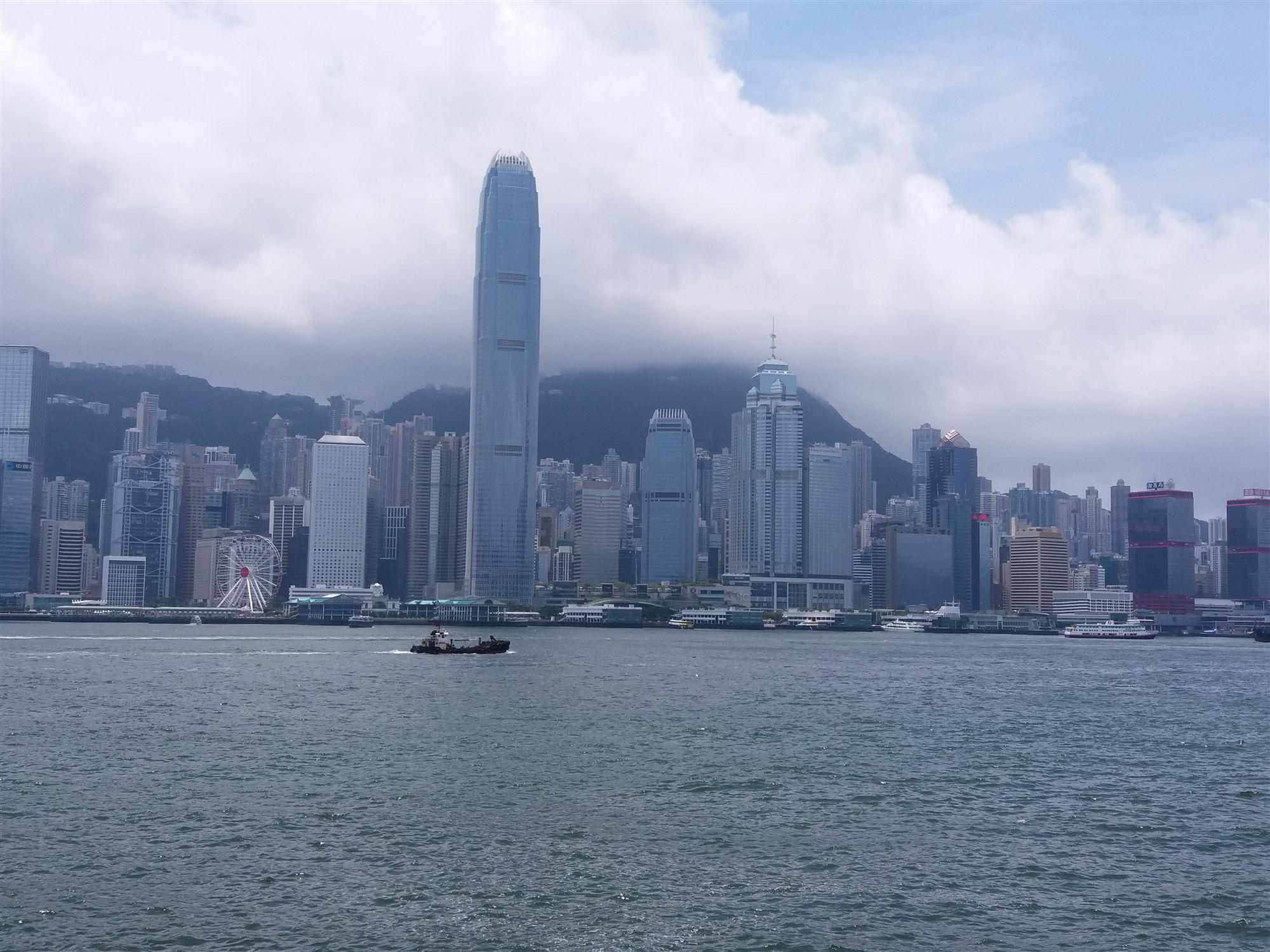 大摩下調香港今年GDP增長目標至-0.3%